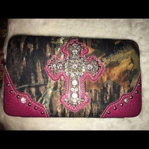 Handbags - NWOT Country Road Wallet